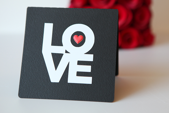 In the mood for Love? (A free card and cut file from Scrapbook & Cards Today for you)