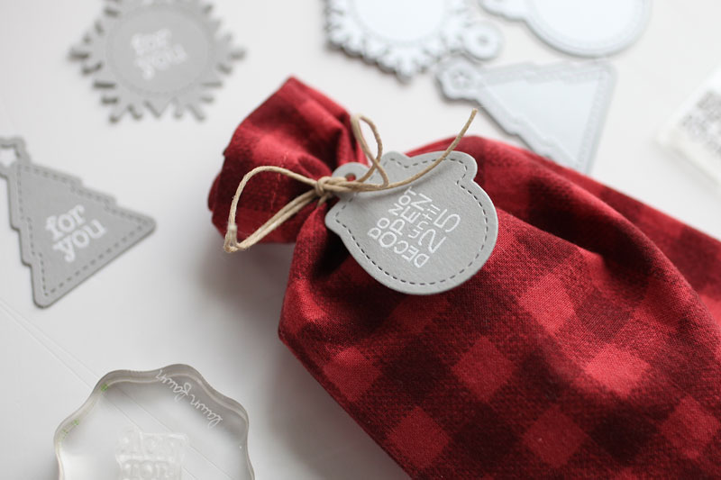 Make the tiniest holiday tags for maximum cuteness